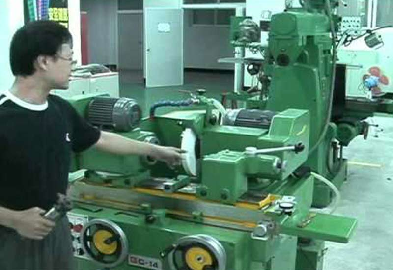 7 questions in grinding machine safety precautions