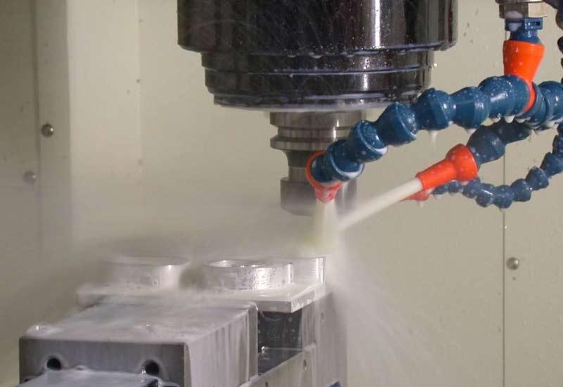 Suitable grinding fluid