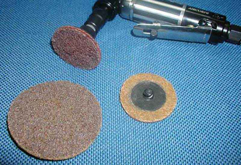 Pay attention to the following points when grinding and polishing by diamond paste.